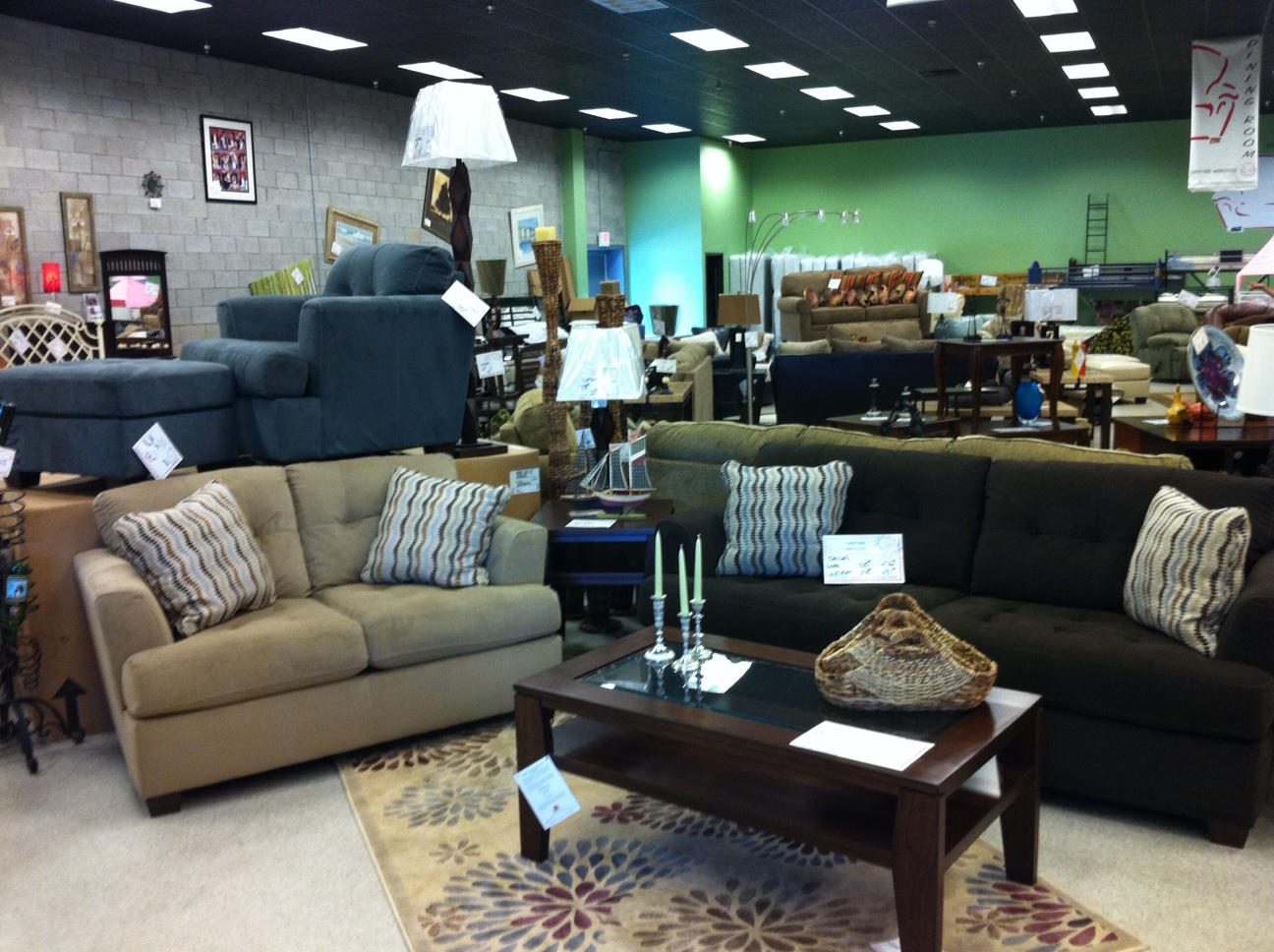 Ashley furniture customer service complaints department for Best furniture sites
